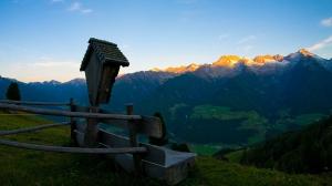 Sonnenaufg.-mit-Wegkreuz